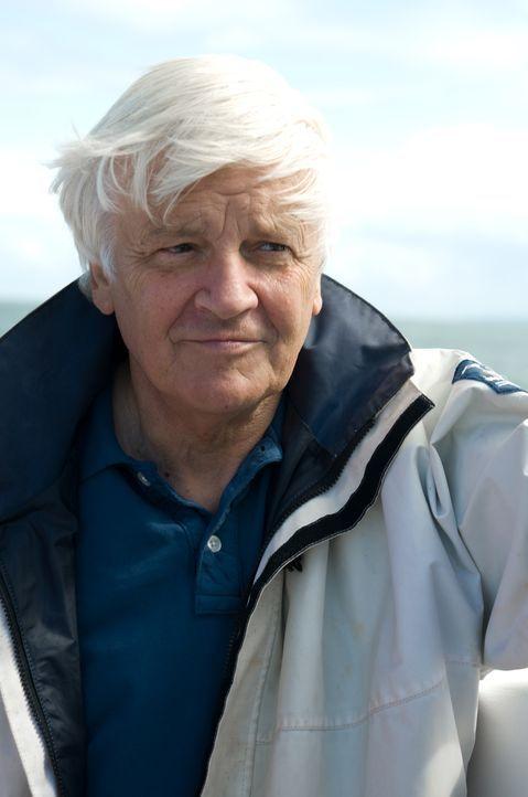 """Der Regisseur Jacques Perrin tauchte für """"Unsere Ozeane"""" in die Tiefen der Weltmeere hinab. Knapp zehn Jahre hat er mit seinem Team intensiv und mit... - Bildquelle: Universum Film"""