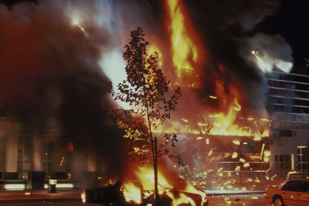 Nach einem atomaren Krieg wehren sich die Überlebenden gegen die Maschinenherrschaft ... - Bildquelle: Columbia TriStar Films