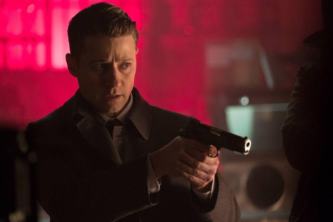 Als Gordon (Ben McKenzie) seine Loyalität gegenüber dem Rat beweisen muss, gerät er in eine bedrohliche Situation ... - Bildquelle: Warner Brothers
