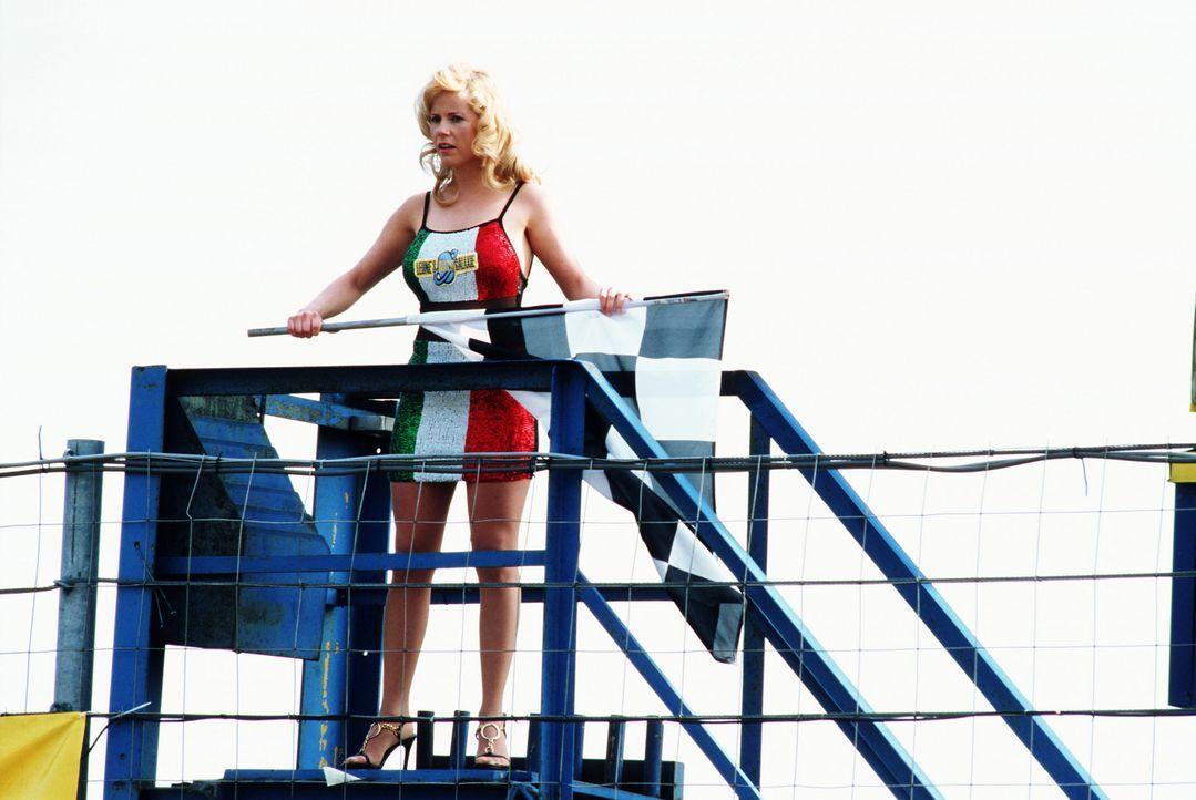 Den Startschuss gibt die Sekretärin (Michaela Schaffrath) ab - und los geht die Hatz! - Bildquelle: action image