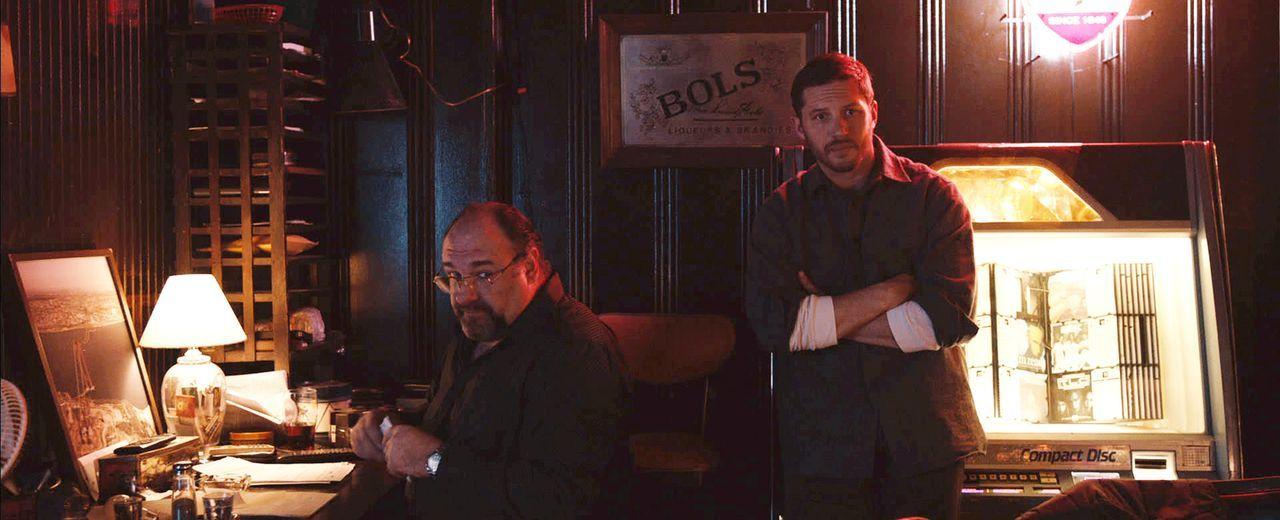 In Brooklyn bunkert die tschetschenische Mafia ihr schmutziges Geld in Nachtclubs und Bars. Als eine davon überfallen wird, geraten Bob (Tom Hardy,... - Bildquelle: 2014 Twentieth Century Fox Film Corporation.  All rights reserved.