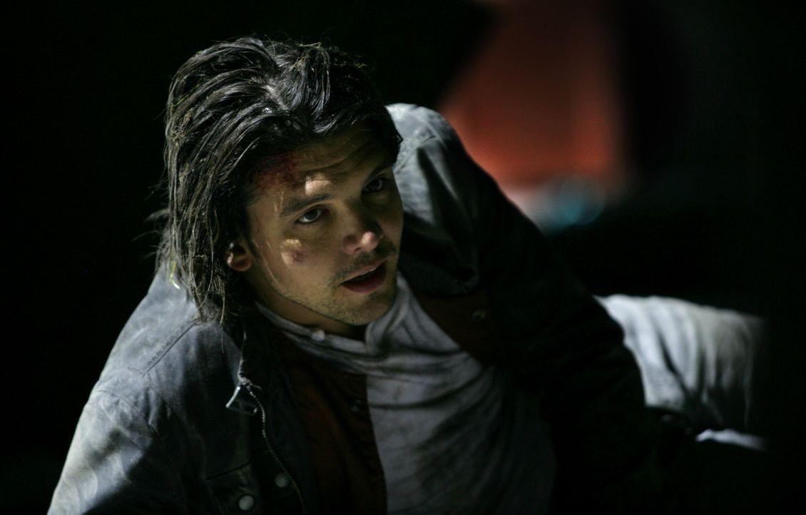 """Philip weiht Connor (Andrew Lee Potts) in sein """"New Dawn""""-Projekt ein: Er will die Menschheit mit Hilfe der Anomalien mit unbegrenzter und kostenlos... - Bildquelle: ITV Plc"""