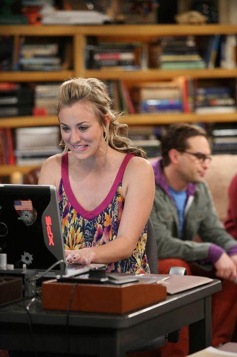 Penny (Kaley Cuoco, l.) ist von der Webseite, die Leonard (Johnny Galecki, r.) für sie gebastelt hat, begeistert ... - Bildquelle: Warner Bros. Television
