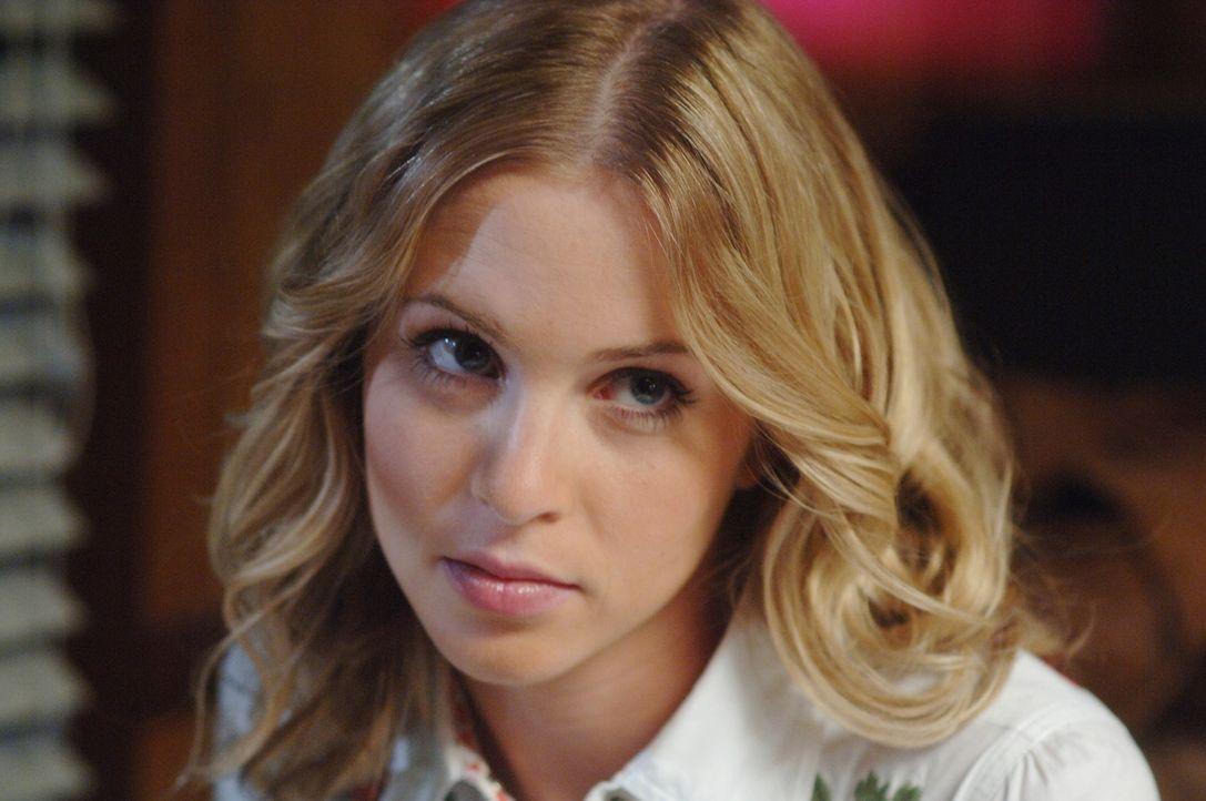 In der Vergangenheit, trifft Dean auf seine Mutter Mary (Amy Gumenick) ... - Bildquelle: Warner Bros. Television