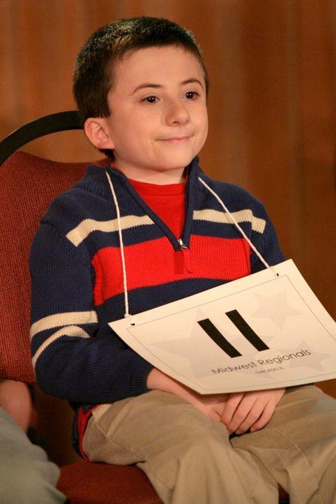 Könnte einen Duden im Kopf haben: Brick (Atticus Shaffer) entpuppt sich als Ass im Buchstabieren und darf an einem großen Buchstabierwettbewerb teil... - Bildquelle: Warner Brothers