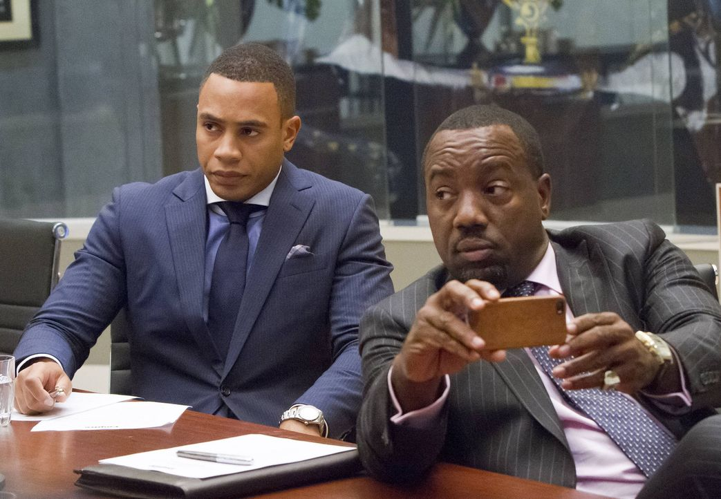 Wie wird sich Empire Records verändern, jetzt da Cookie wieder da ist? Andre (Trai Byers, l.) und Vernon (Malik Yoba, r.) verfolgen das erste Meetin... - Bildquelle: 2015 Fox and its related entities.  All rights reserved.