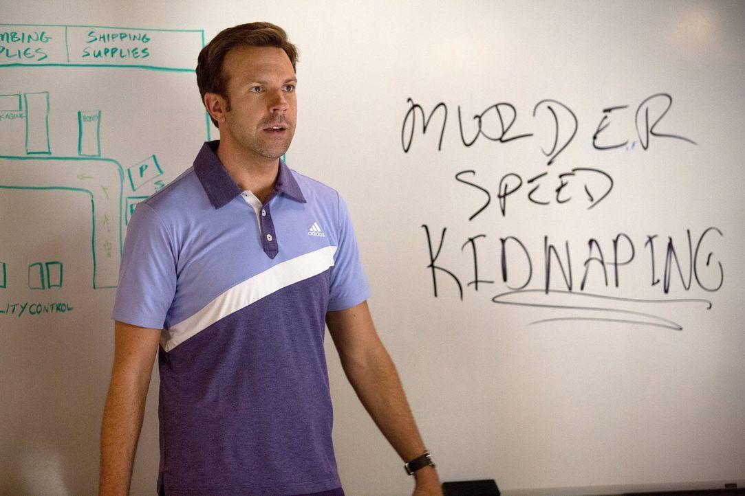 Rechtschreibung war noch nie sein Ding: der verhinderte Mörder und zukünftige Entführer Kurt (Jason Sudeikis) ... - Bildquelle: 2014   Warner Bros.