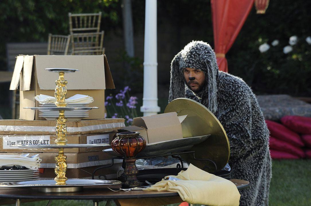 Vor Wilfred (Jason Gann) und seinen Überraschungsangriffen ist nichts und niemand sicher ... - Bildquelle: 2011 FX Networks, LLC. All rights reserved.