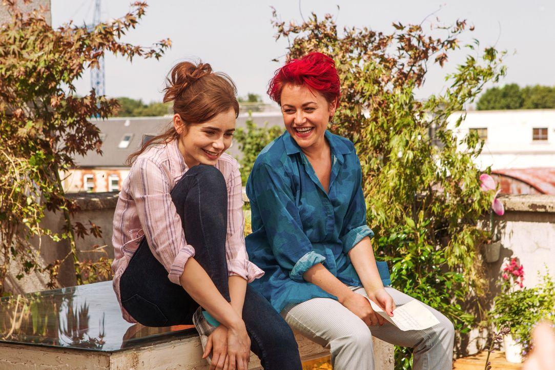 Bei all dem Chaos in ihrem Leben kann Rosie (Lily Collins, l.) eine Freundin wie Ruby (Jaime Winstone, r.) nur zu gut gebrauchen ... - Bildquelle: Constantin Film Verleih GmbH
