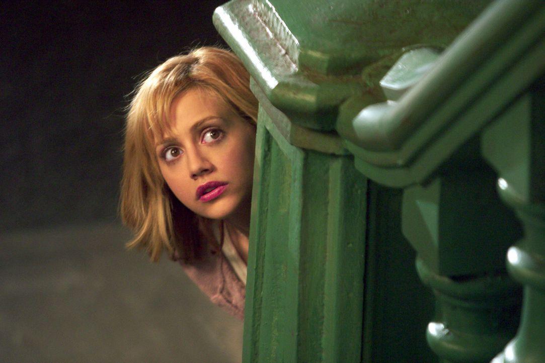 Nach und nach findet Stacy (Brittany Murphy) heraus, dass eine der Exfreundinnen in Dereks Leben immer noch ziemlich präsent ist ... - Bildquelle: Sony 2007 CPT Holdings, Inc.  All Rights Reserved.