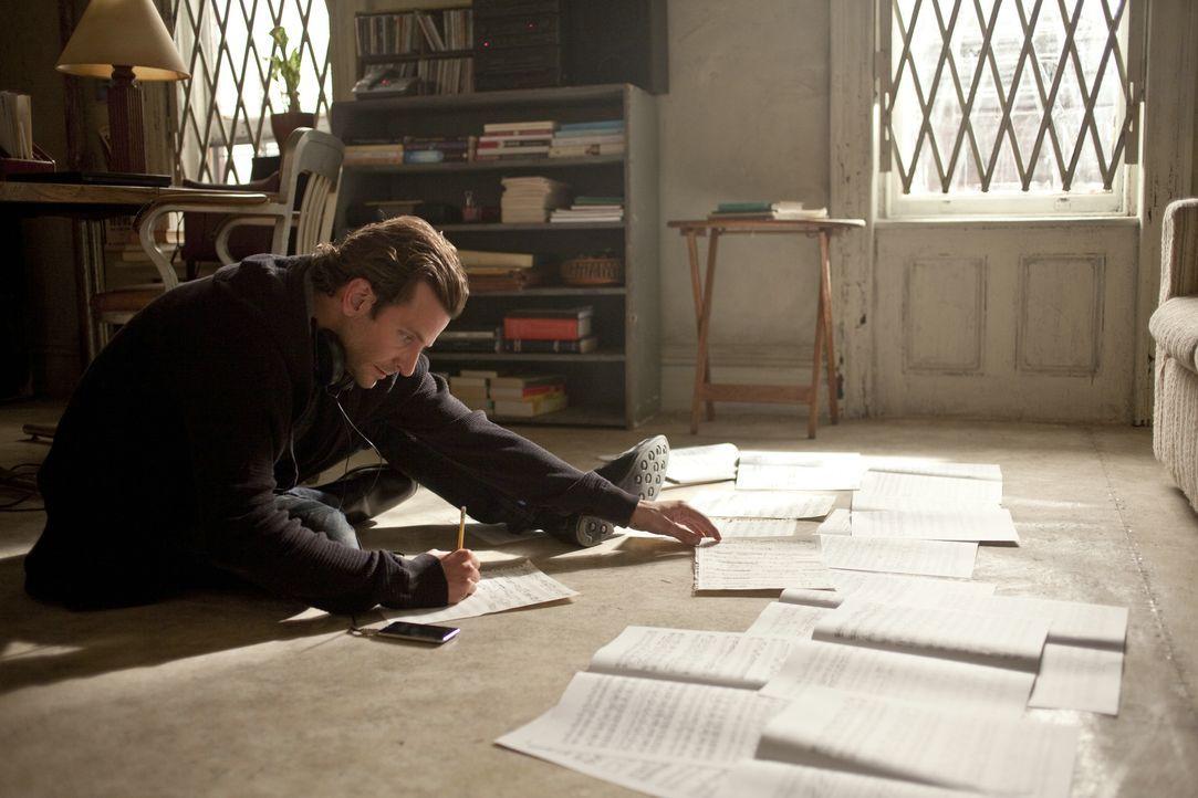 Kreativschub: Dank der Pille NZT-48 wird Eddie Morra ( Bradley Cooper) zum Genie ... - Bildquelle: 2011 Concorde Filmverleih GmbH