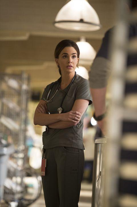 Als ob Heather (Jillian Murray) nach den schrecklichen Ereignissen am Unfallort nicht schon genug zu kämpfen hätte, wird sie auch noch unfreiwillig... - Bildquelle: Neil Jacobs 2016 ABC Studios. All rights reserved.