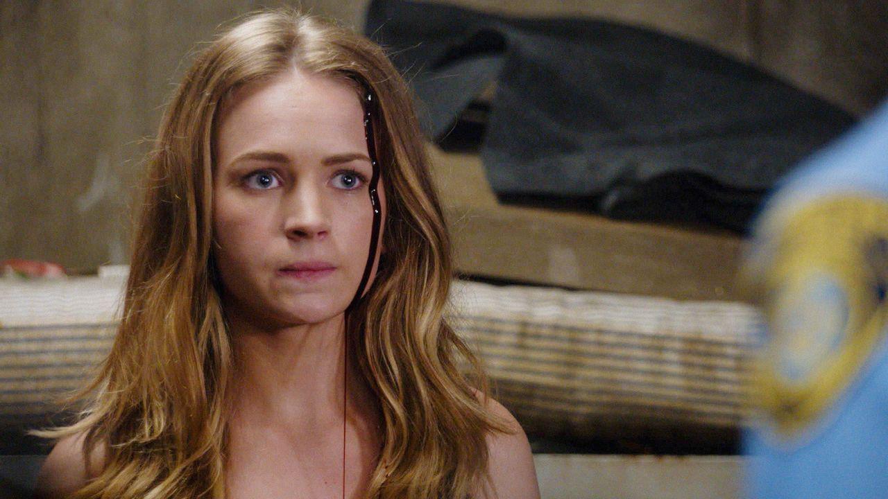 Was führt Angie (Britt Robertson) zurück nach Chester's Mill? - Bildquelle: 2014 CBS Broadcasting Inc. All Rights Reserved.