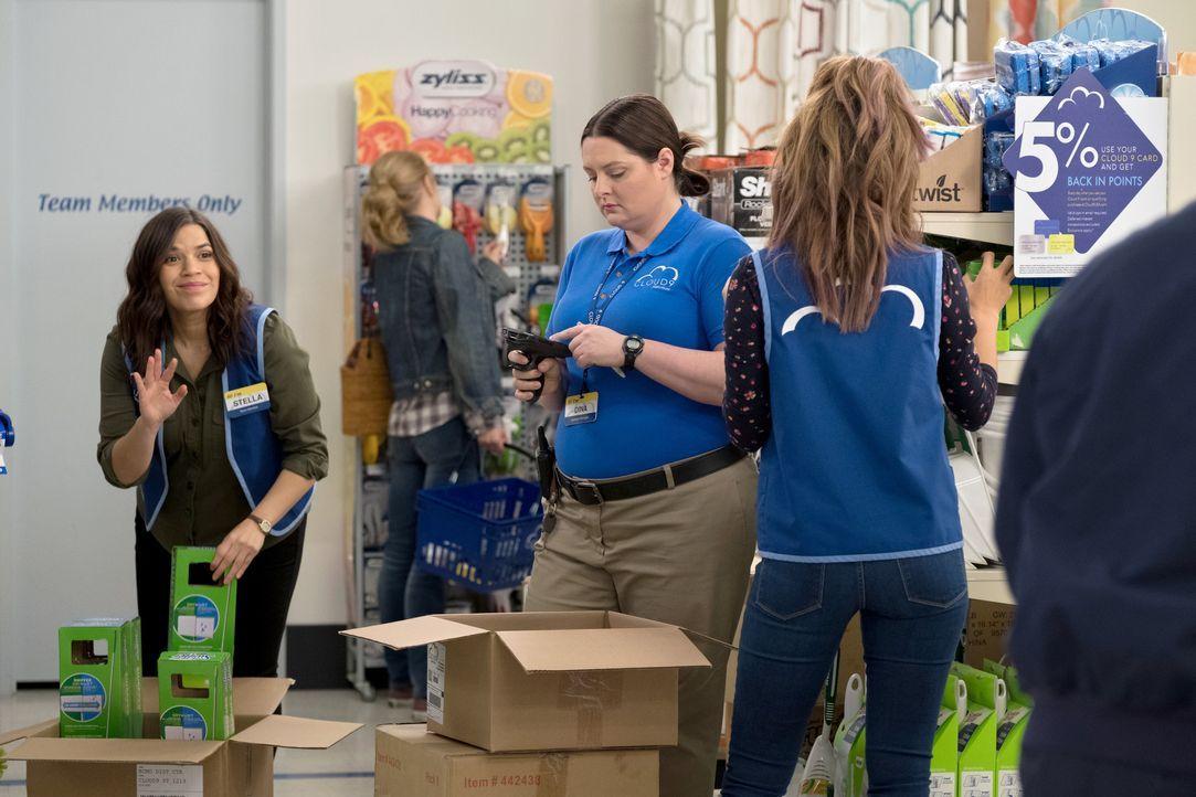 (v.l.n.r.) Amy (America Ferrera); Dina (Lauren Ash); Cheyenne (Nichole Bloom) - Bildquelle: Colleen Hayes 2018 NBCUniversal Media, LLC / Colleen Hayes
