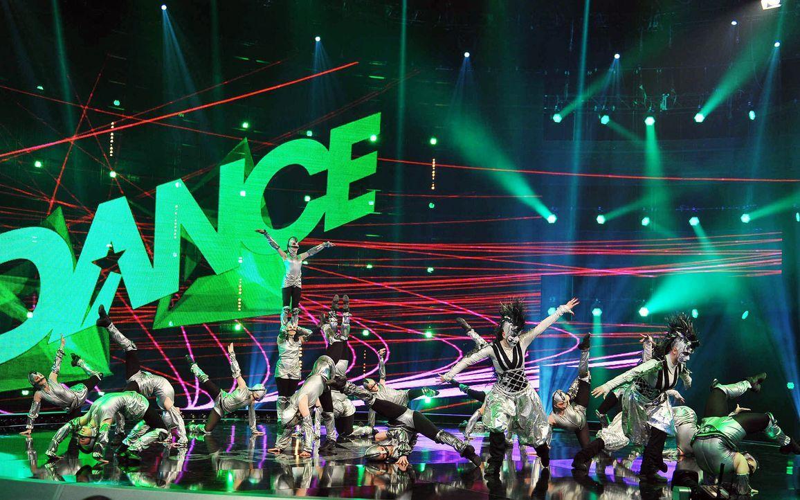 Got-To-Dance-Kosmosgruppe-10-SAT1-ProSieben-Willi-Weber - Bildquelle: SAT.1/ProSieben/Willi Weber