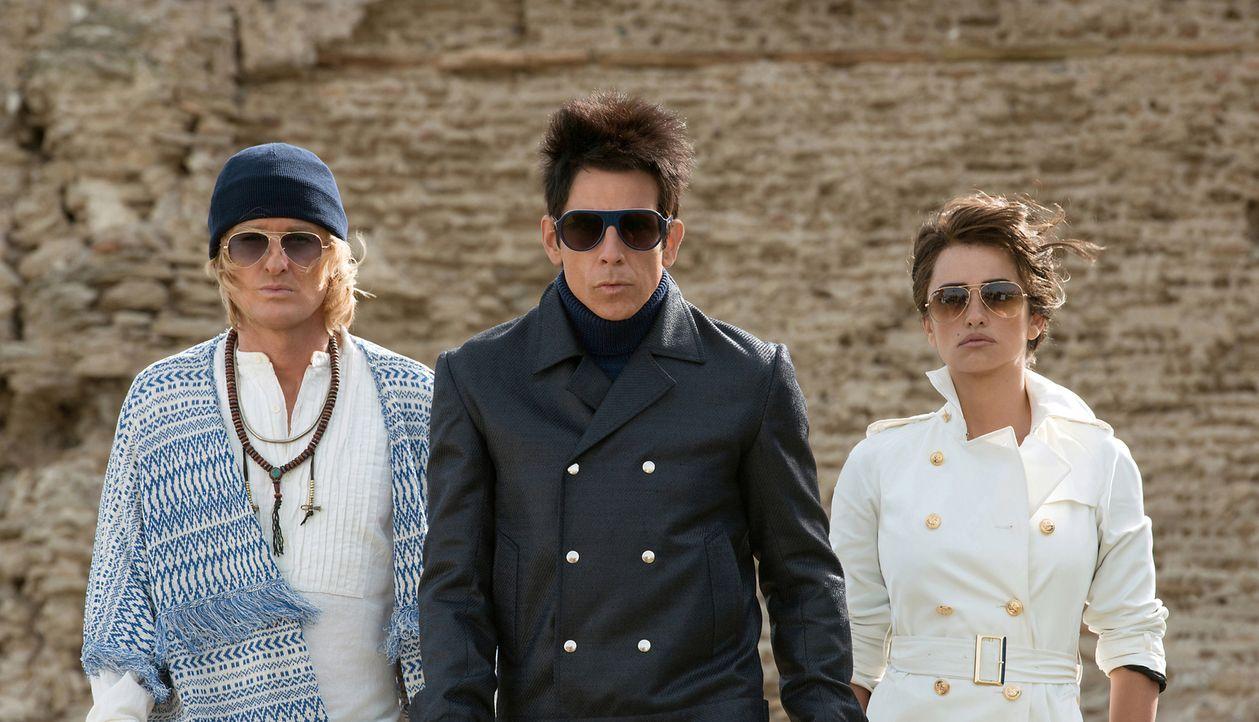 Eine ganz besondere Jagd nach dem Mörder einiger Popstars wartet auf Hansel (Owen Wilson, l.), Derek (Ben Stiller, M.) und das ehemalige Bademodenmo... - Bildquelle: 2016 Paramount Pictures