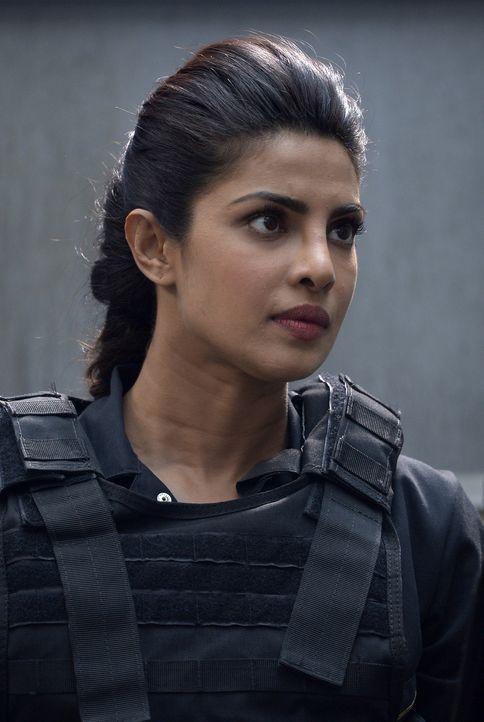 Muss eine schwierige Entscheidung treffen: Alex (Priyanka Chopra) ... - Bildquelle: Philippe Bosse 2015 ABC Studios