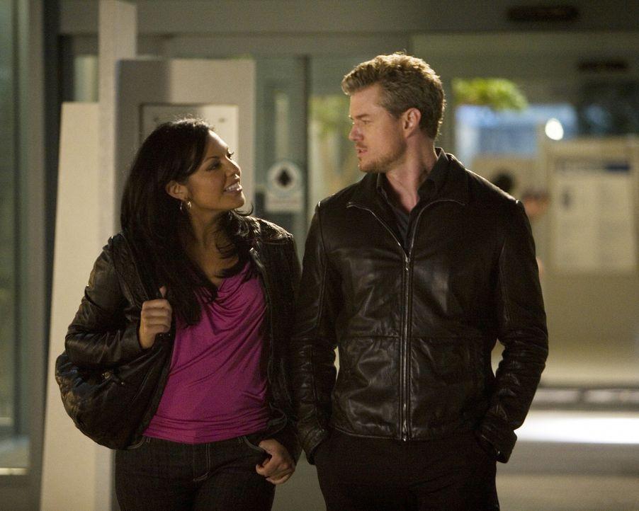 Nach einem Gespräch mit Mark (Eric Dane, r.) wird Callie (Sara Ramirez, l.) bewusst, wem ihr Herz gehört ... - Bildquelle: Randy Holmes Touchstone Television