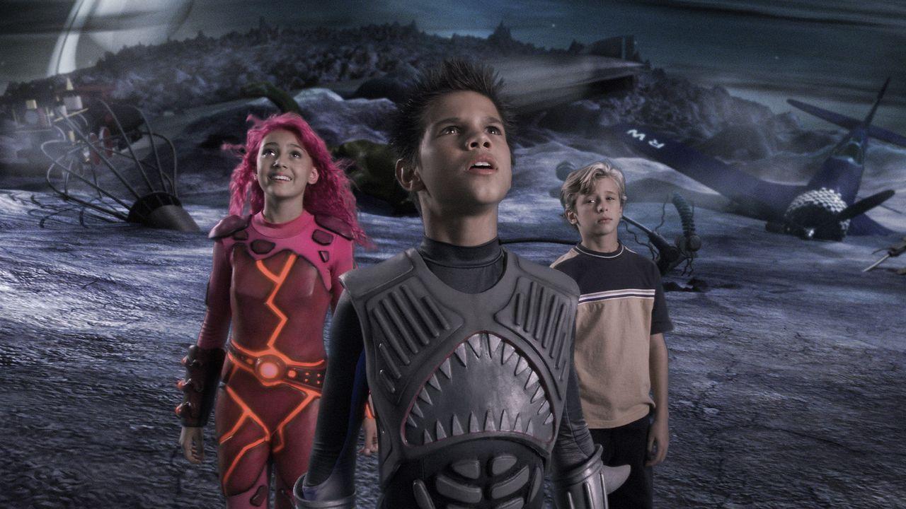 Als niemand an seine Helden glauben will, macht sich Max (Cayden Boyd, r.) kurzerhand auf zum Planeten Drool, auf dem Shark Boy (Taylor Lautner, M.)... - Bildquelle: 2005 Miramax Film Corp. All Rights Reserved.
