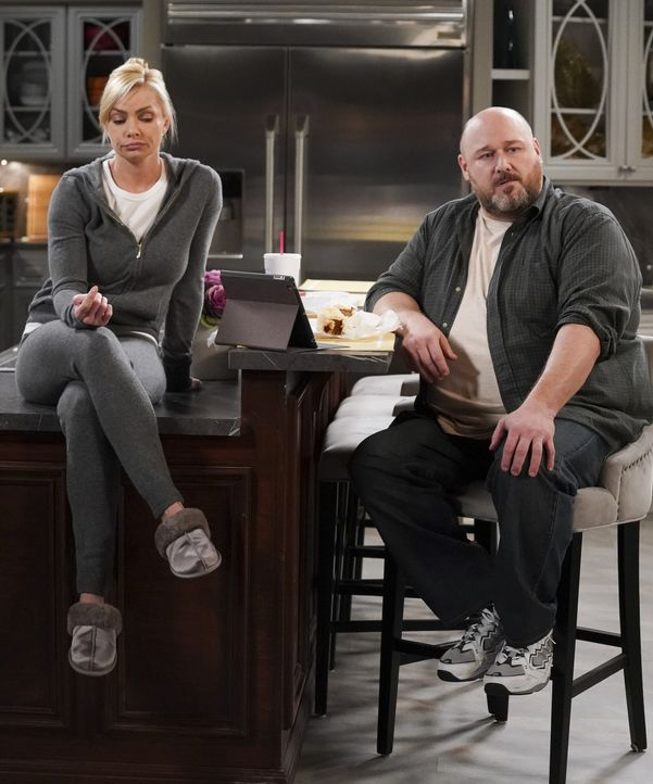 Jill (Jaime Pressly, l.); Officer Andy (Will Sasso, r.) - Bildquelle: Monty Brinton 2018 WBEI. All rights reserved. / Monty Brinton