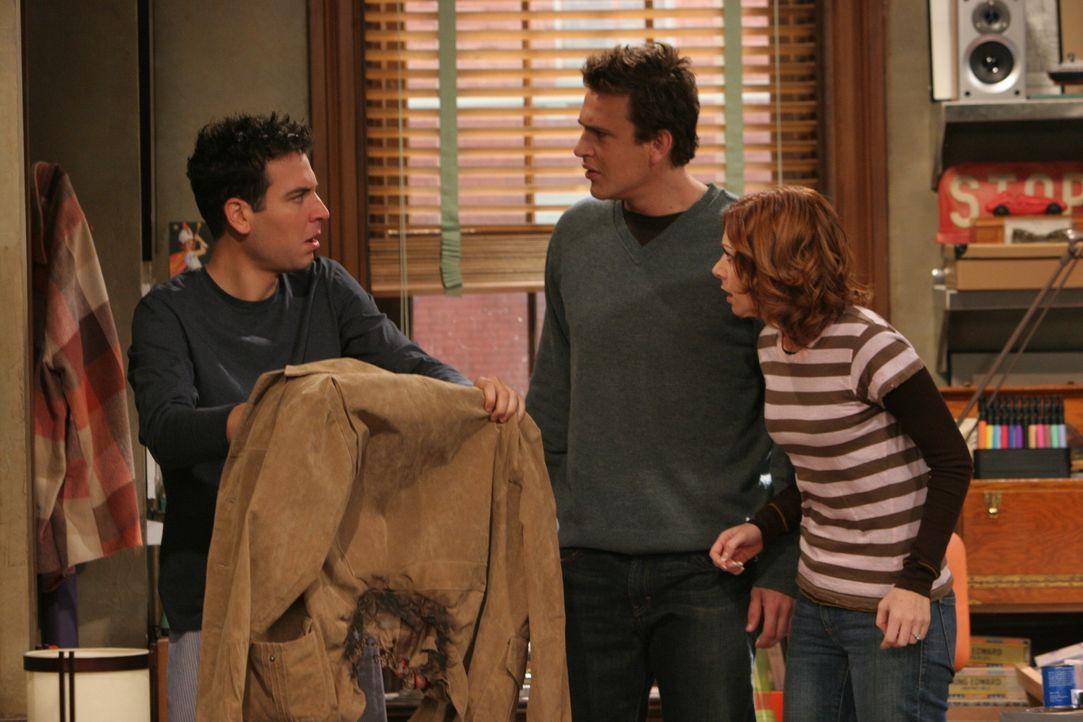 Weil sich Ted (Josh Radnor, l.) an nichts mehr erinnern kann, fragt er Lily (Alyson Hannigan, r.) und Marshall (Jason Segel, M.), ob sie noch etwas... - Bildquelle: 20th Century Fox International Television