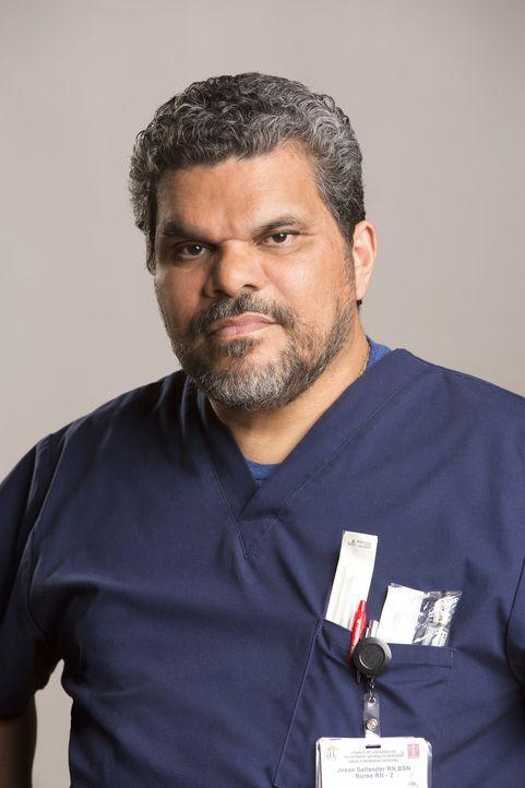 """(1. Staffel) - Jesse (Luis Guzman) ist die gute Seele des Krankenhauses und spielt für die jungen Ärzte gerne """"Momma"""" ... - Bildquelle: Monty Brinton 2015 ABC Studios"""