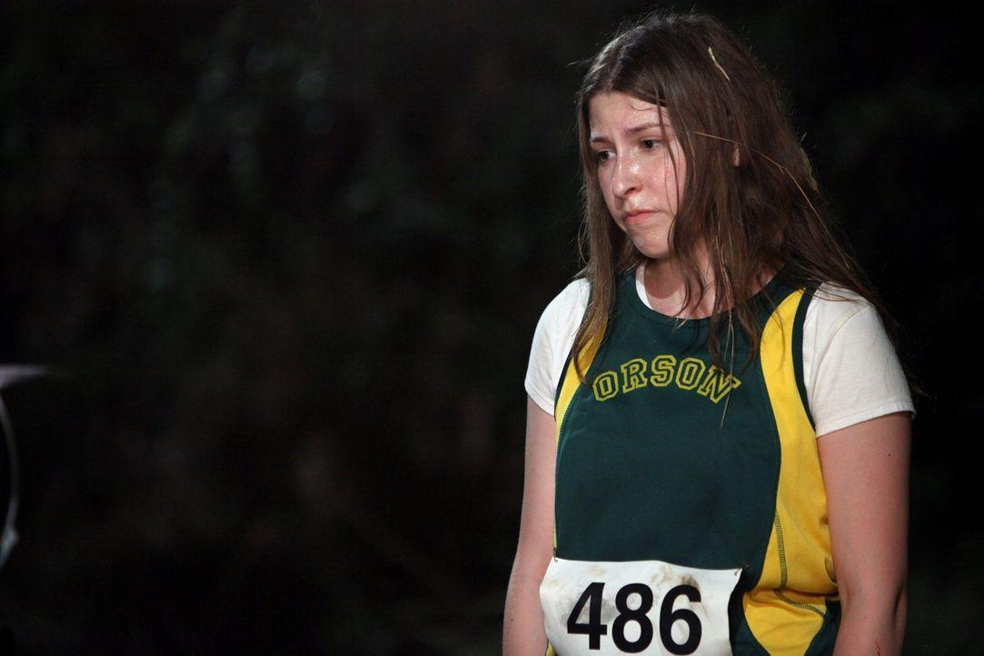 Gehen ihre Eltern zu ihrem Langstreckenlauf oder zum Homecoming-Spiel von Axl? Sue (Eden Sher) ... - Bildquelle: Warner Brothers
