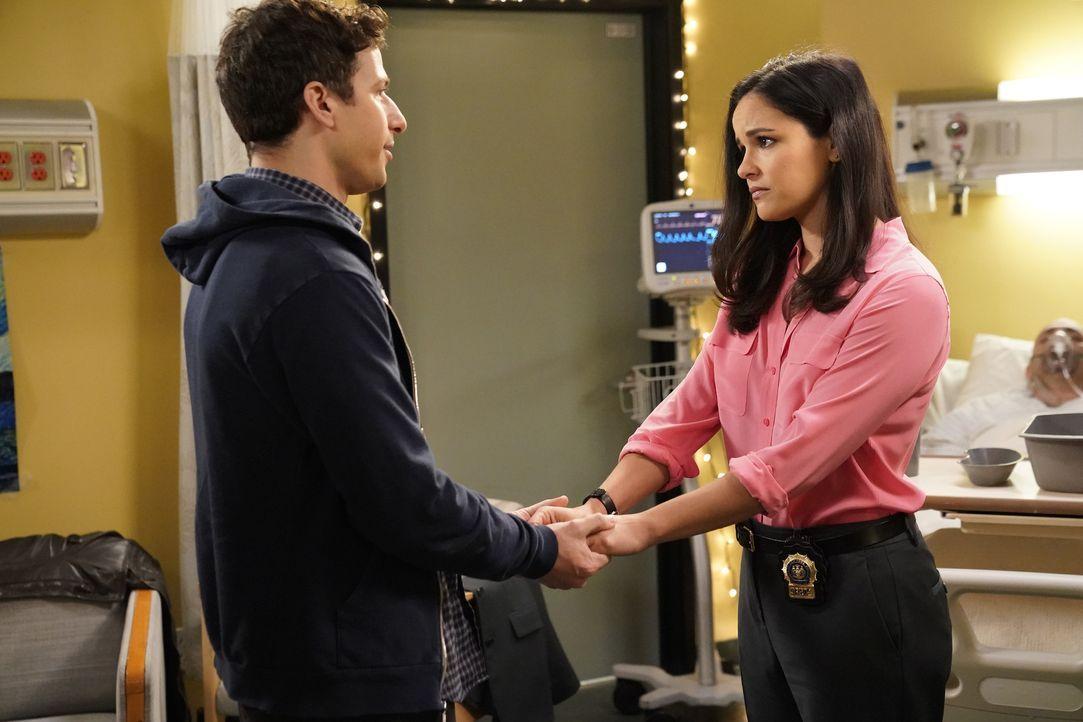 Jake Peralta (Andy Samberg, l.); Amy Santiago (Melissa Fumero, r.) - Bildquelle: Greg Gayne 2019 UNIVERSAL TELEVISION LLC. All rights reserved. / Greg Gayne