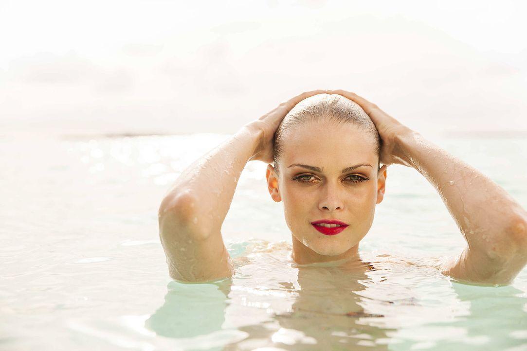 GNTM-Stf10-Epi13-Bikini-Shooting-Malediven-122-Darya-ProSieben-Boris-Breuer - Bildquelle: ProSieben/Boris Breuer