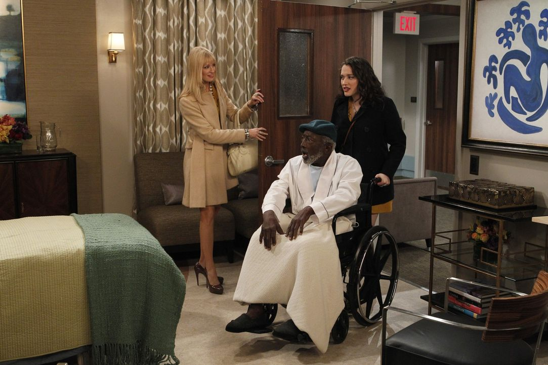 Kassierer Earl (Garrett Morris, M.) hat beim Anblick der aufreizend gekleideten Sophie  einen leichten Herzinfarkt erlitten. Durch frühere Beziehun... - Bildquelle: Warner Brothers