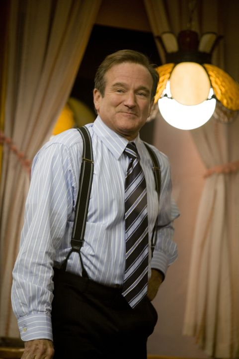 "Tom Dobbs (Robin Williams) ist bekannter Moderator einer ""satirischen Polit-Talkshow"". Dort zieht er mal liebevoll, mal bissig die Washingtoner Poli... - Bildquelle: Morgan Creek International"