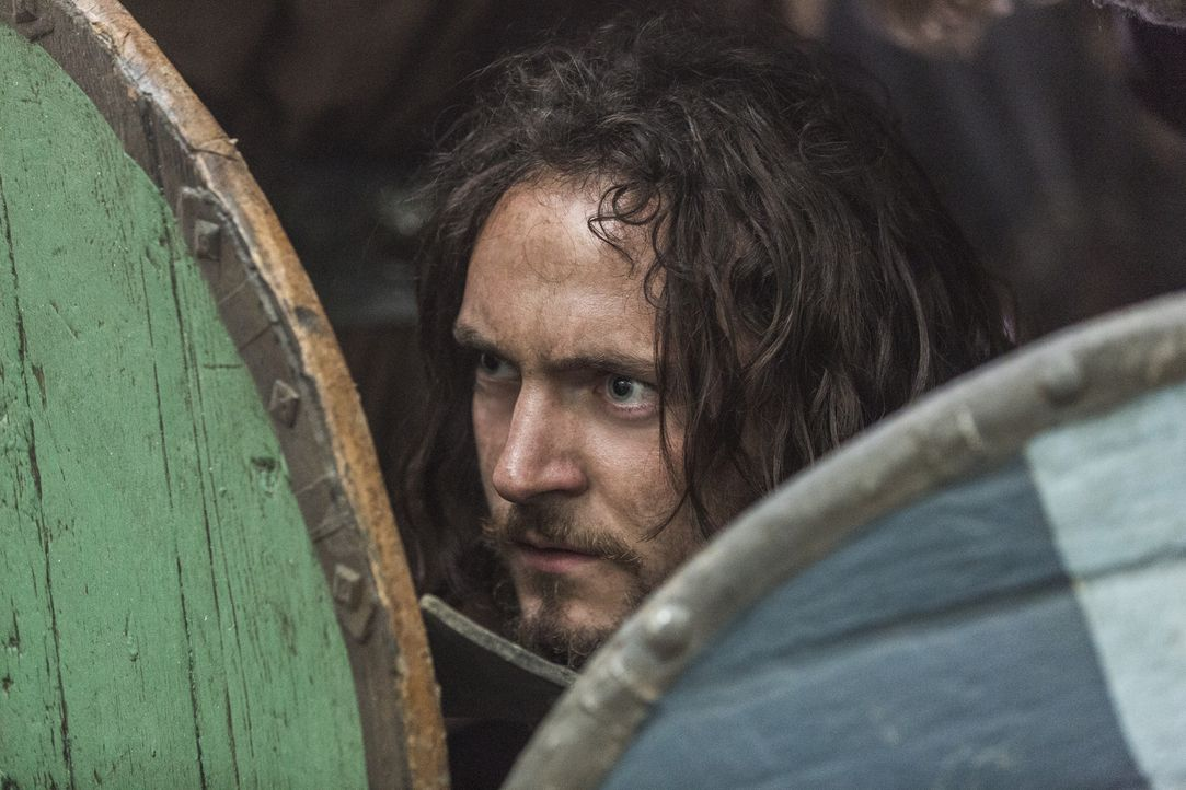 Als ein Sturm Ragnar, Athelstan (George Blagden) und die anderen Wikinger, an die Küste von Wessex bläst, warten bereits neue Widersacher auf sie ..... - Bildquelle: 2014 TM TELEVISION PRODUCTIONS LIMITED/T5 VIKINGS PRODUCTIONS INC. ALL RIGHTS RESERVED.