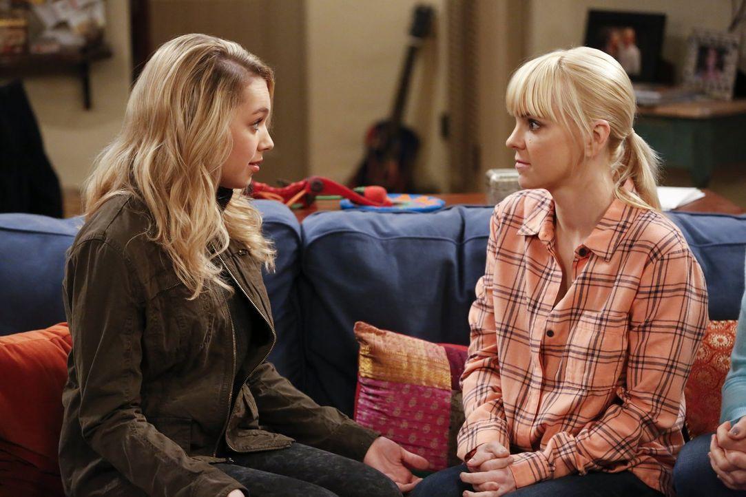 Eigentlich kann Christy (Anna Faris, r.) ihrer Tochter Violet (Sadie Calvano, l.) nicht viel vorschreiben, was Beziehungen angeht ... - Bildquelle: Warner Bros. Television