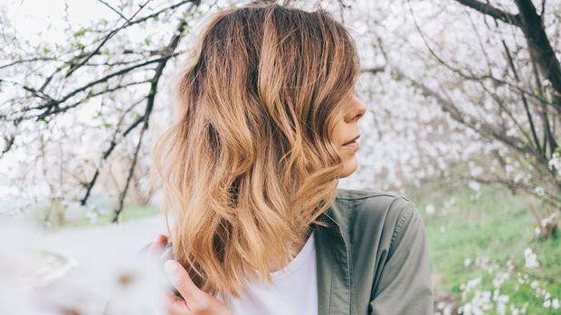 Gold brown Hair, Balayaga und vieles mehr – welche Hairstyles liegen absolut...