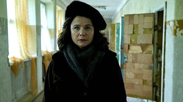 Ulana Chomjuk (Emily Watson)