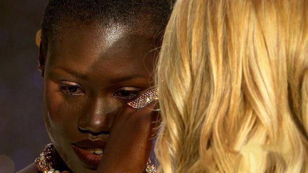 Germanys next Topmodel - Video - Aminata bricht bei der