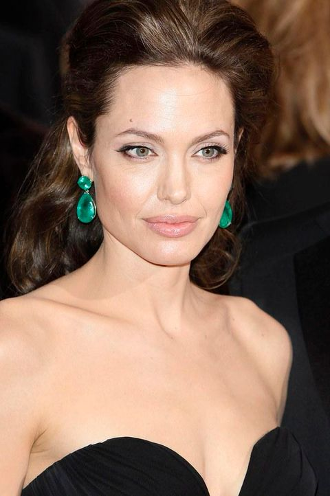angelina-jolie-denkt-rente 665 x 1000 - Bildquelle: World Entertainment News Network