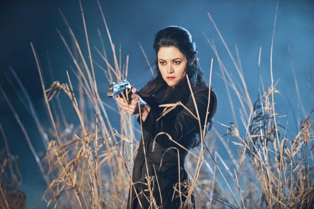Wird es der Pilgerin (Faye Kingslee) tatsächlich gelingen, ihren mörderischen Feldzug durch die Zeit zu einem Erfolg zu machen und die Legends in ih... - Bildquelle: 2015 Warner Bros.