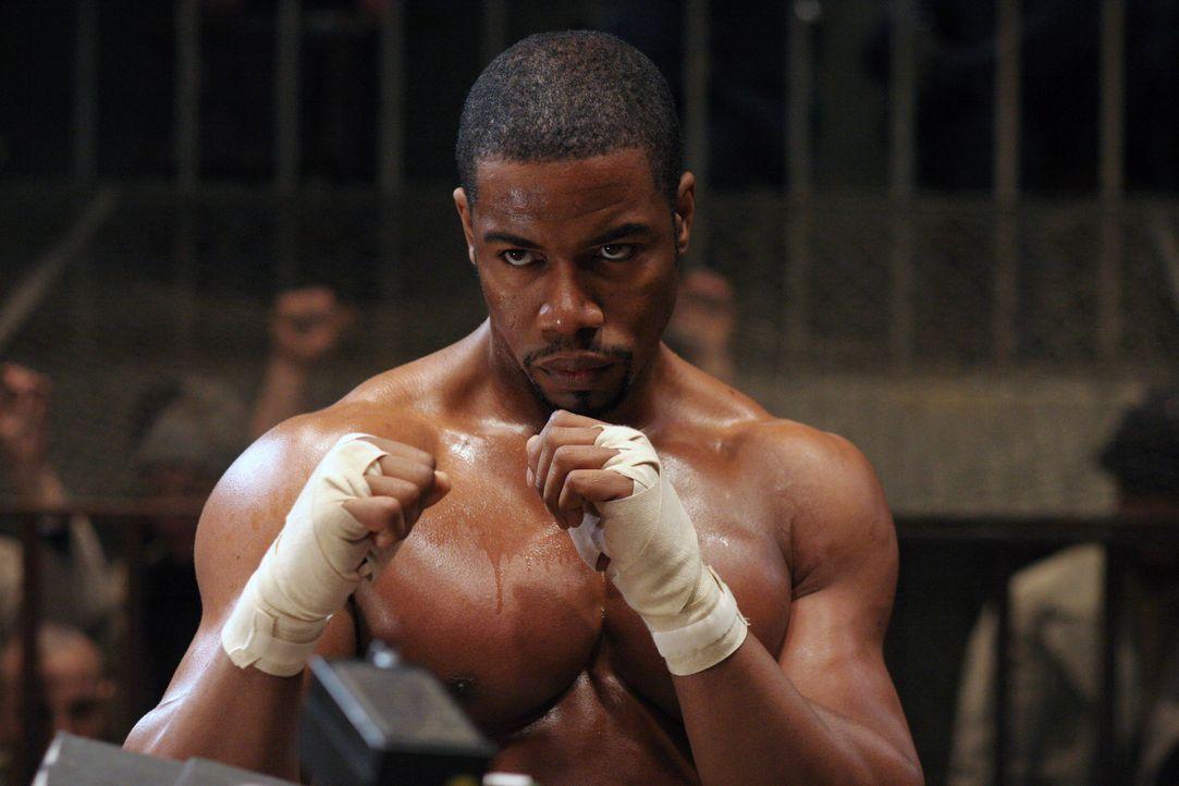 Aufgrund einer folgenschweren Intrige landet der amerikanische Berufsboxer George Chambers (Michael Jai White) i einem sibirischen Gefängnis. Hier... - Bildquelle: Nu Image Films
