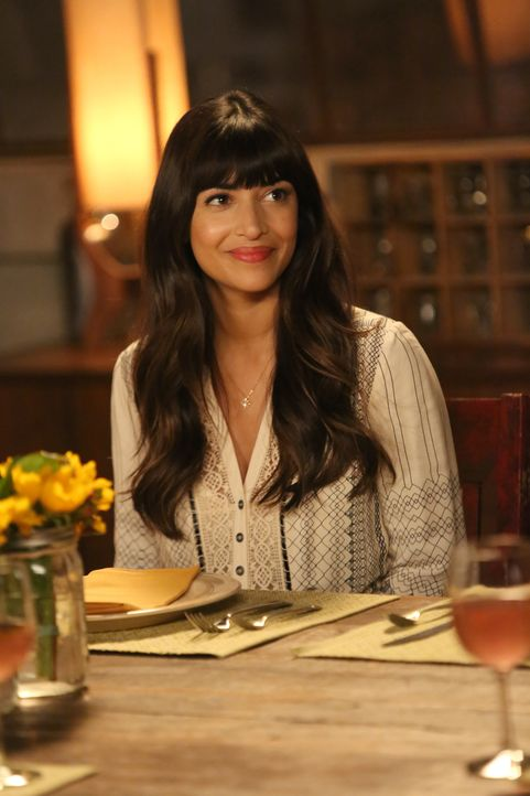 Ist geschockt, als sie erkennt, dass die Scheidung von Winston und Rhonda ziemlich kompliziert werden wird: Cece (Hannah Simone) ... - Bildquelle: Patrick McElhenney 2017 Fox and its related entities. All rights reserved. / Patrick McElhenney