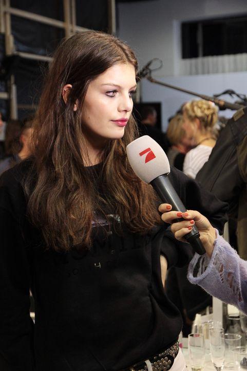 GNTM-Stf10-Epi14-Fashion-Week-Paris-133-Vanessa-ProSieben-Kristin-Hesse - Bildquelle: ProSieben/Kristin Hesse