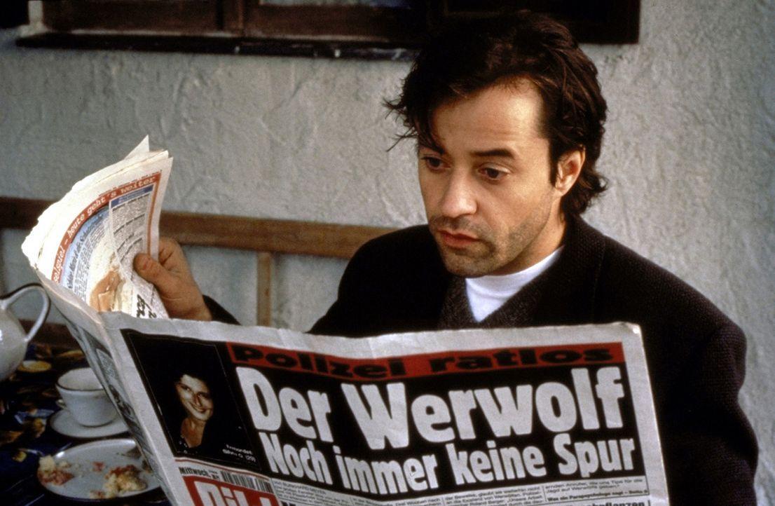 Der Werwolf geht um: Fieberhaft sucht Thomas (Jan Josef Liefers) nach Antworten auf das Geheimnis der Werwölfe ... - Bildquelle: ProSieben