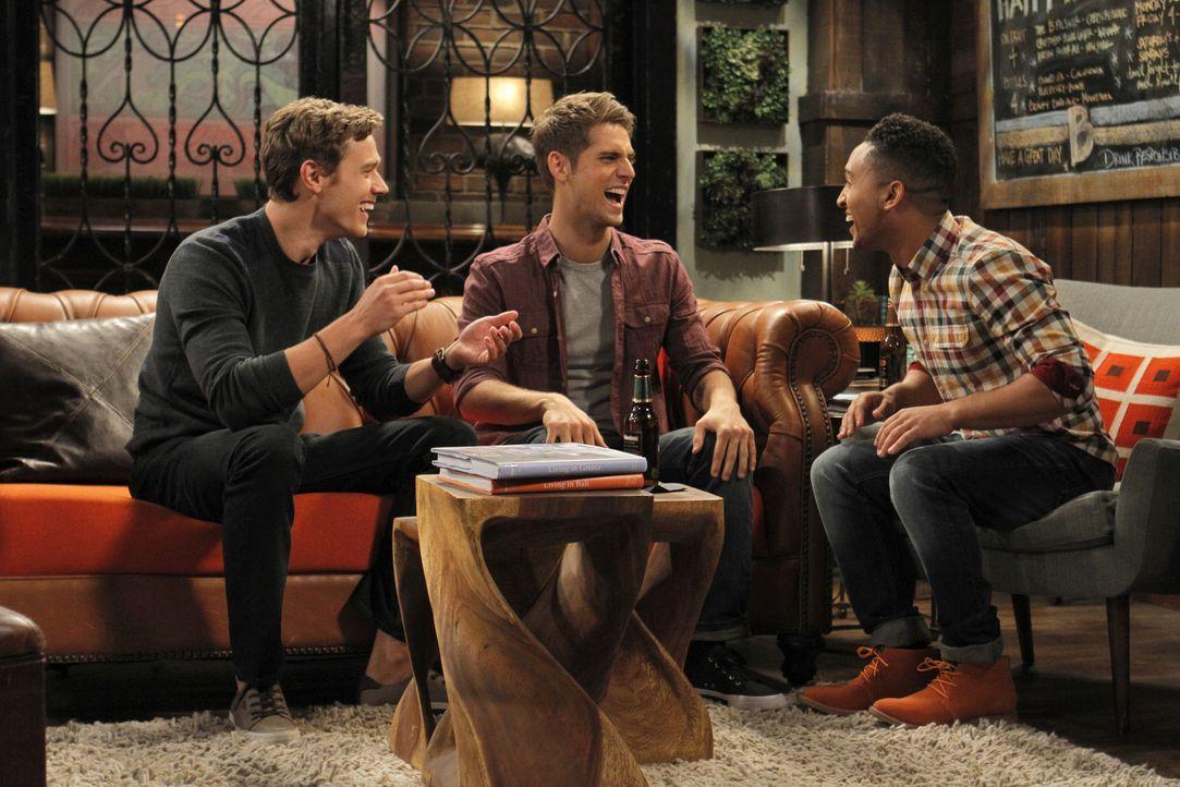 (v.l.n.r.) Philip (Christopher O'Shea); Ben (Jean-Luc Bilodeau); Tucker (Tahj Mowry) - Bildquelle: Tony Rivetti ABC Family