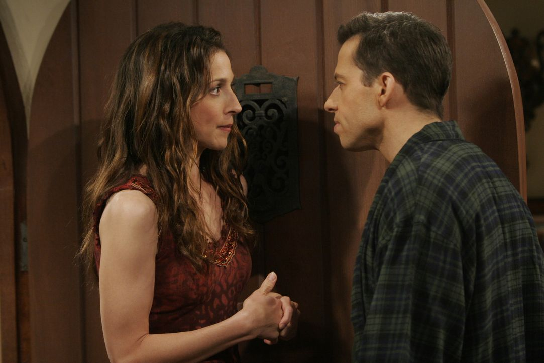 Haben ihre Liebe zueinander wieder entdeckt: Alan (Jon Cryer, r.) und Judith (Marin Hinkle, l.) ... - Bildquelle: Warner Brothers Entertainment Inc.