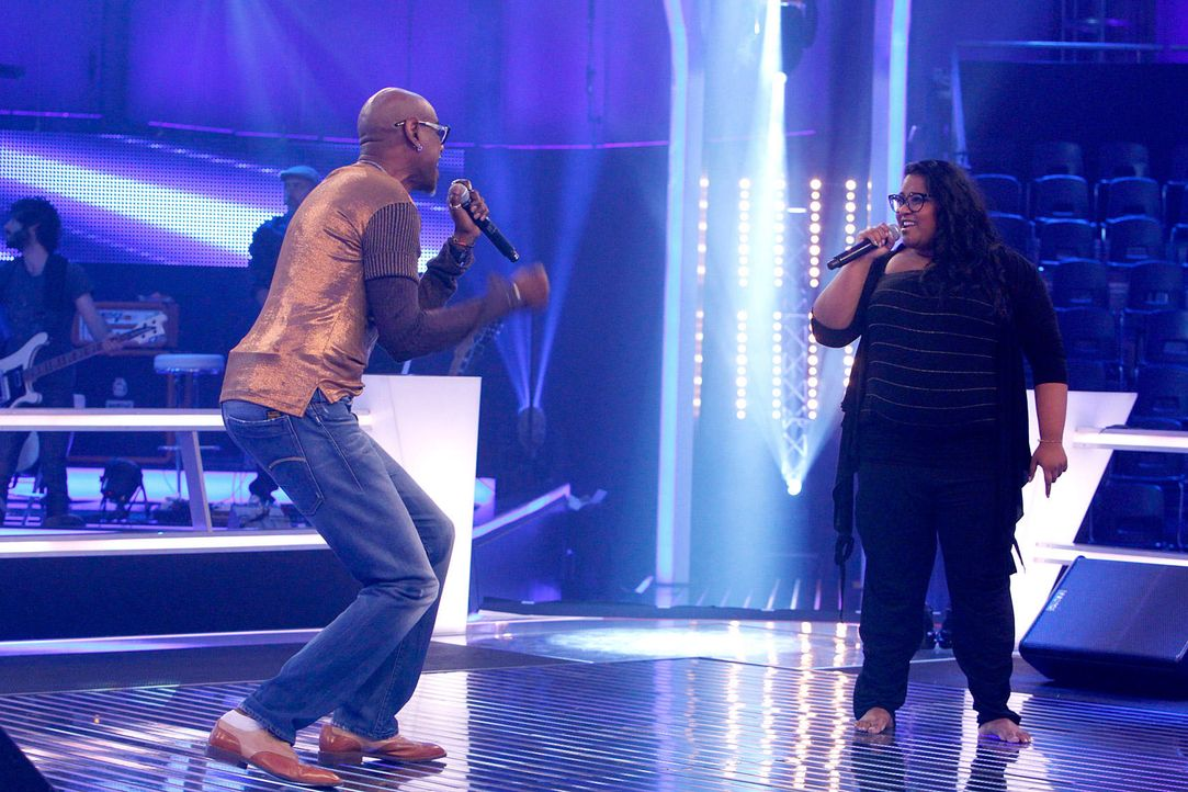 battle-michelle-vs-dennis-03-the-voice-of-germany-richard-huebnerjpg 1700 x 1133 - Bildquelle: SAT1/ProSieben/Richard Hübner