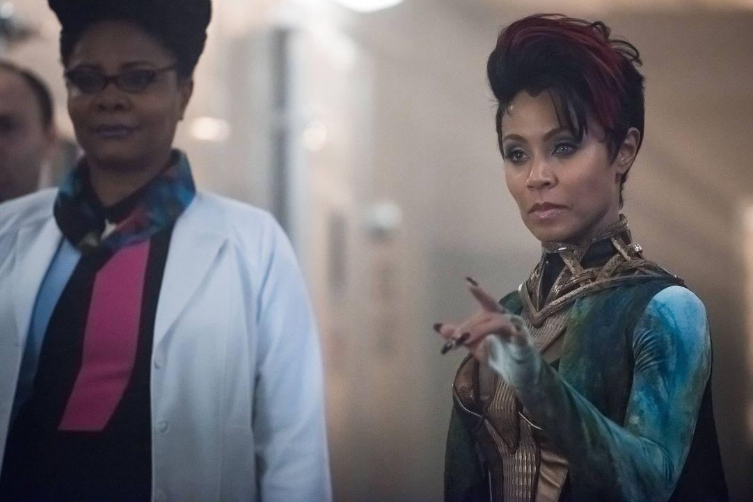 Die Evakuierung der Gefangenen verläuft wie von Dr. Strange geplant, bis Fish Mooney (Jada Pinkett Smith, r.) ihre neuen Kräfte einsetzt, um Ethel P... - Bildquelle: Warner Brothers