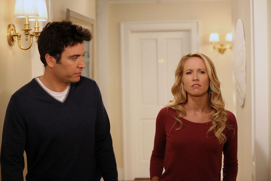 Als der Konflikt zwischen Robin und Loretta eskaliert, sieht sich Barney plötzlich inmitten der Kampfeshandlungen gefangen, während sich Ted (Josh R... - Bildquelle: 2013 Twentieth Century Fox Film Corporation. All rights reserved.