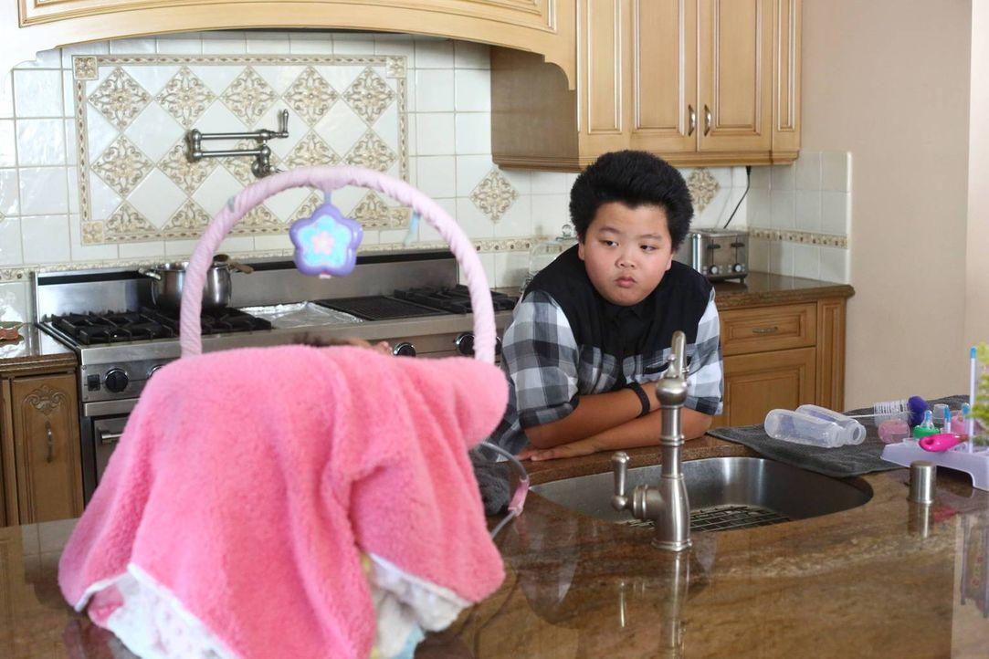 Die Freundschaft zwischen Jessica und Honey wird auf eine harte Probe gestellt, während Eddie (Hudson Yang) für ein Geburtstagsgeschenk für Alison e... - Bildquelle: 2015-2016 American Broadcasting Companies. All rights reserved.