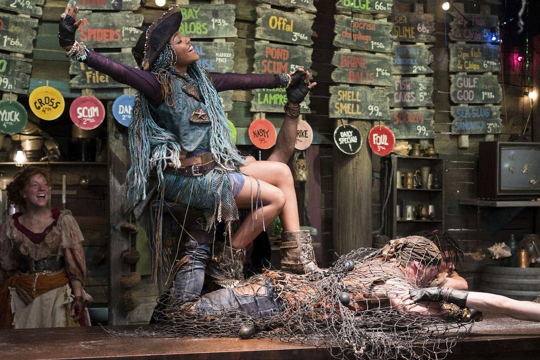 Herrscht jetzt auf der Insel der Verlorenen: die eiskalte Uma (China Anne McClain) ... - Bildquelle: Disney