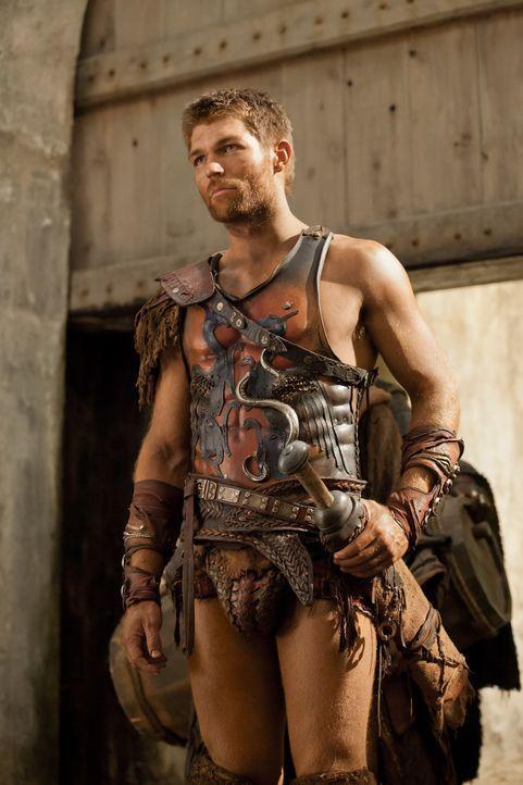 Nachdem Spartacus (Liam McIntyre) eine kleine, aber gut gesicherte Stadt eingenommen hat, murren seine Leute, weil es zu wenig zu essen für alle gib... - Bildquelle: 2012 Starz Entertainment, LLC. All rights reserved.